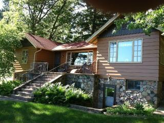Relaxing Whitefish Chain cabin with charm!, Crosslake
