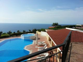 Sea View Apartment Overlooking Tropea with Balcony