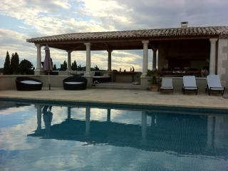 Spacious and Luxury Property South of France, Paradou