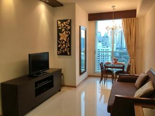 The Empire Place-Luxaury condo with full facilities and close to sky train, Phra Pradaeng