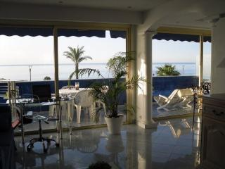 Luxurious Contemporary Apartment Air-Conditioned, Cagnes-sur-Mer