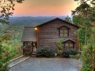 'The View' This is the cabin you have been looking for. The name says it all, Blue Ridge