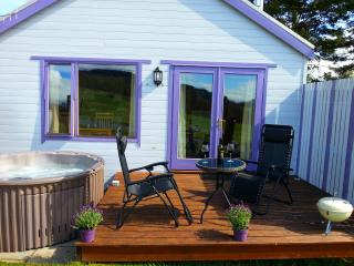 The Love Cabin, Pitlochry