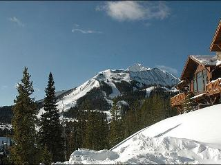 Recently Built Cabin with Stunning Appointments - Six Block Walk to Regan Beach  (1143), Big Sky