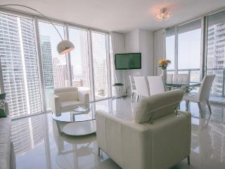 Luxury Waterfront 2 Bed at the Icon Viceroy!!!, Brickell