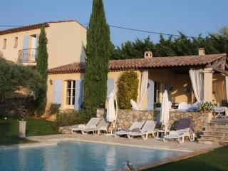 Villa with Heated Private Swimming Pool, Salernes
