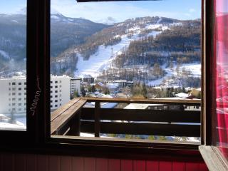 Stylish apartment in the Serre Chevalier ski resort with central heat and balcony with slope views, Chantemerle