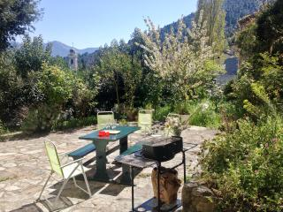 Dreamy holiday house in Upper Corsica with 3 separate apartments, terrace, garden & mountain views, Venaco