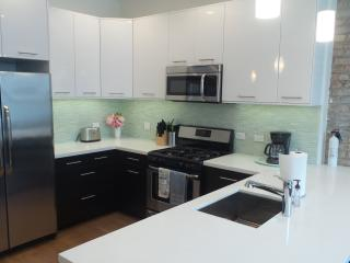 Property #75789 - Southport Hotspotunits 1 and 2, Chicago