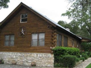 Clear Water Log Home, Wimberley