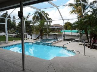 Villa Waterfront, Cape Coral