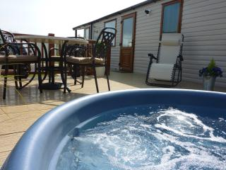 Tally Ho 2 !  Luxury Let with hot tub and wifi, Tattershall