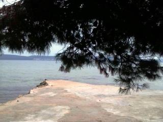 Apartment Lu for 7 - 30 m from the sea, Pasman