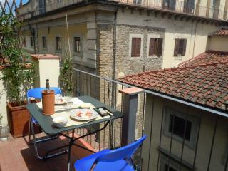 Apartment in central Florence, balcony and terrace