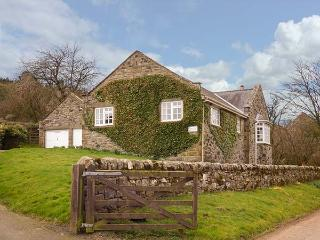 COQUET VIEW COTTAGE, ground floor detached cottage, enclosed garden,oil stove, near Rothbury, Ref 915187