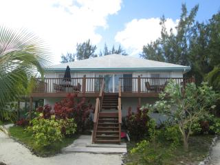 VERY LARGE 8 bed / 8 bath BEACHFRONT HOUSE, George Town