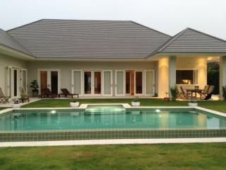 Thailand most beautiful Holiday House, beach, golf, Hua Hin