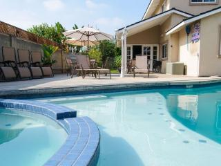 Garden Retreat II**5 BDRMS + GAME ROOM, Anaheim