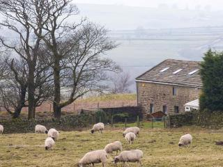 HEIGHT LAITHE BARN, pet-friendly cottage with country views, walking from the door, close Haworth, Colne Ref 23698