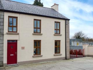 TURTON HOUSE, woodburner, close to amenities, great touring base, in Gorteen, Ref. 918746, Rathmadder