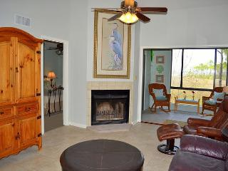 SALE~Perfectly located townhome with bay views~close to shopping & food, Miramar Beach