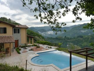 Stunning Villa and Private Infinty Pool in Tuscany, Bagni di Lucca