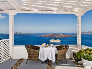 Nonis Apartments Triple with Sea View, Fira