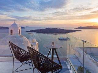 Aroma Suites - St Double Suite, Fira