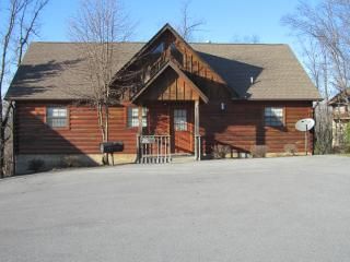 Lazy Bears Lair Pigeon Forge