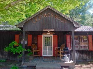 The Bunk House, Boone