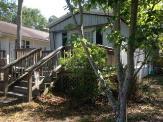 Affordable family vacation! 5-Minute Drive 2 Ocean, Holden Beach