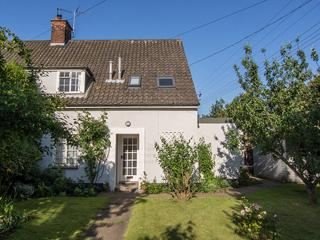 Private 3 Bedroom Family Cottage with large garden, Blythburgh