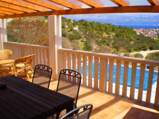 Vacation House with pool and sea view Tonka, Sutivan