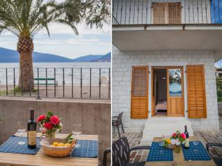 Apartments Stone House - One-Bedroom Apartment with Terrace and Sea View, Tivat