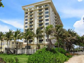 Carlisle on The Ocean #4 / 1 BEDROOM, Surfside