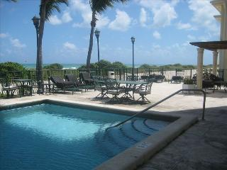 Carlisle on The Ocean #7 / 1 BEDROOM, Surfside