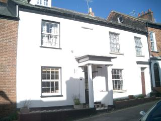 Beautiful Cottage, close to town centre & beach, Exmouth