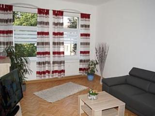 Vacation Apartment in Dresden - 764 sqft, central, quiet, comfortable (# 7135)