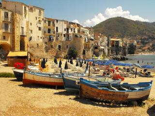 Cheap Holiday House Cefalu Beach up to 5 people
