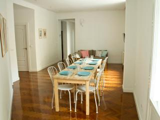 Superb Apartment Center of the City, Madrid