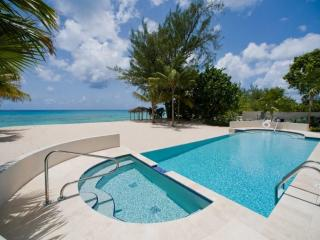 Luxury 4 Bedroom Condo Seven Mile Beach