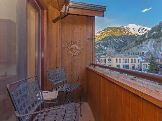 Pine Street Unit C - 3 Bd / 2.5 Ba - Sleeps 8 - Downtown Telluride Condo, Incredible Location and Views
