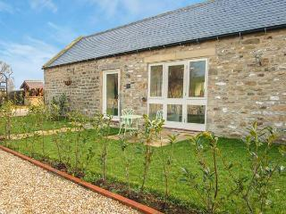 MILL COTTAGE, stone-built, en-suite, countryside setting, romantic retreat, near Richmond, Ref 912544, East Layton