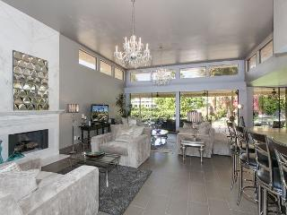 3BR/3.5BA Modern Hollywood Glamour, Sleeps 6, Indian Wells