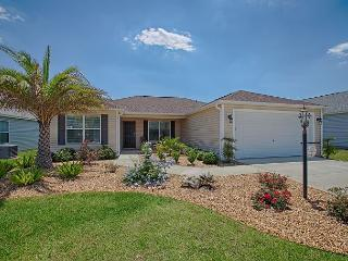 Fantastic home near Brownwood paddock square with free use of golf cart., The Villages