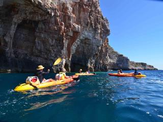 Holiday in colors - active vacation, Rukavac