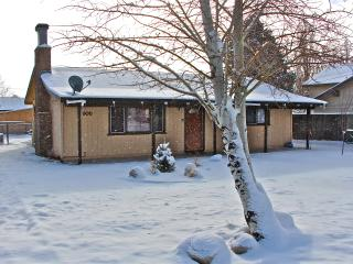 Lazy Bear Retreat. FEBRUARY SPECIAL $125 a night, Big Bear City
