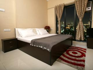 Service Apartment in Malad, Mumbai (Bombay)