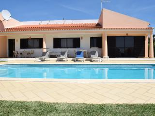 Great Villa with Pool in Albufeira