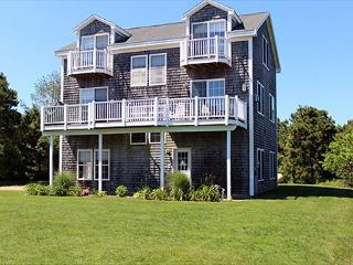 OPEN, AIRY, LIGHT AND SPACIOUS HOME IN THE KATAMA AREA, Edgartown